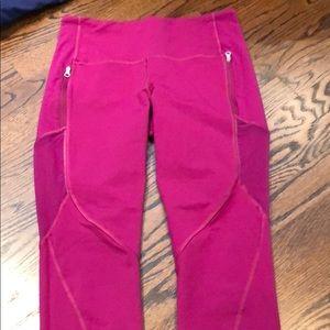 Pink lulu lemon cropped leggings